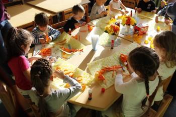 Lasteaias kõrvitsate meisterdamine
